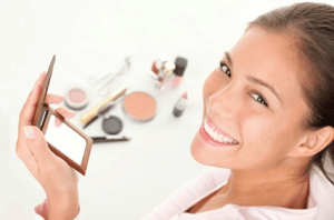 make-up © Ariwasabi - Fotolia